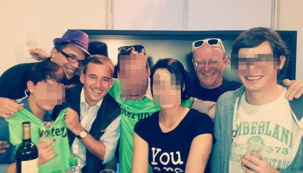 Soirée organisée par l'UDC de Conthey, en septembre 2015, Julien est tout à droite avec le visage floutté.